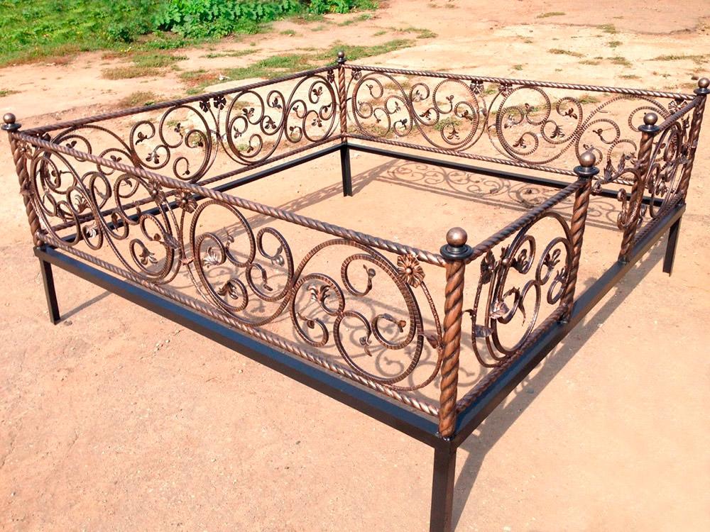 Кованая ритуальная ограда К-1