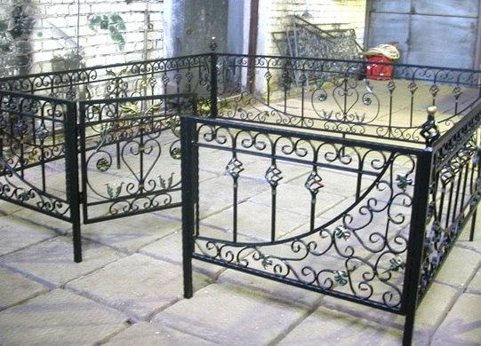 Кованая ритуальная ограда К-3