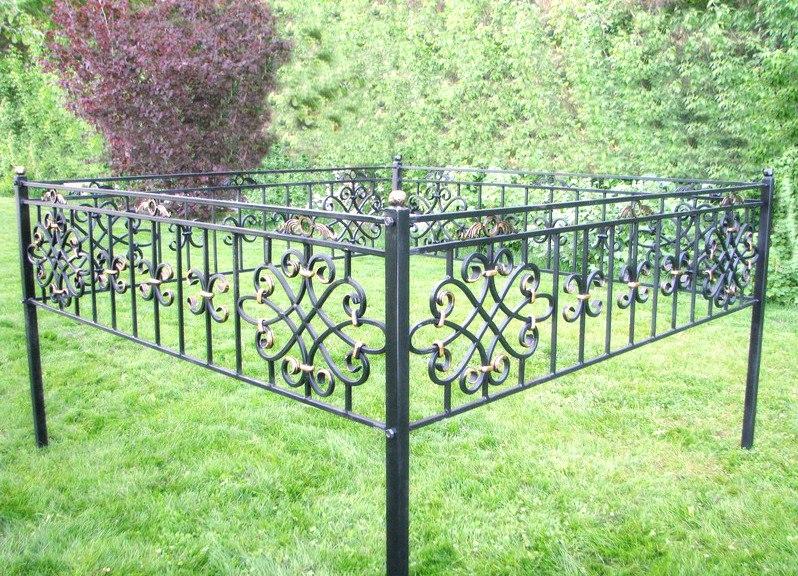 Кованая ритуальная ограда К-4