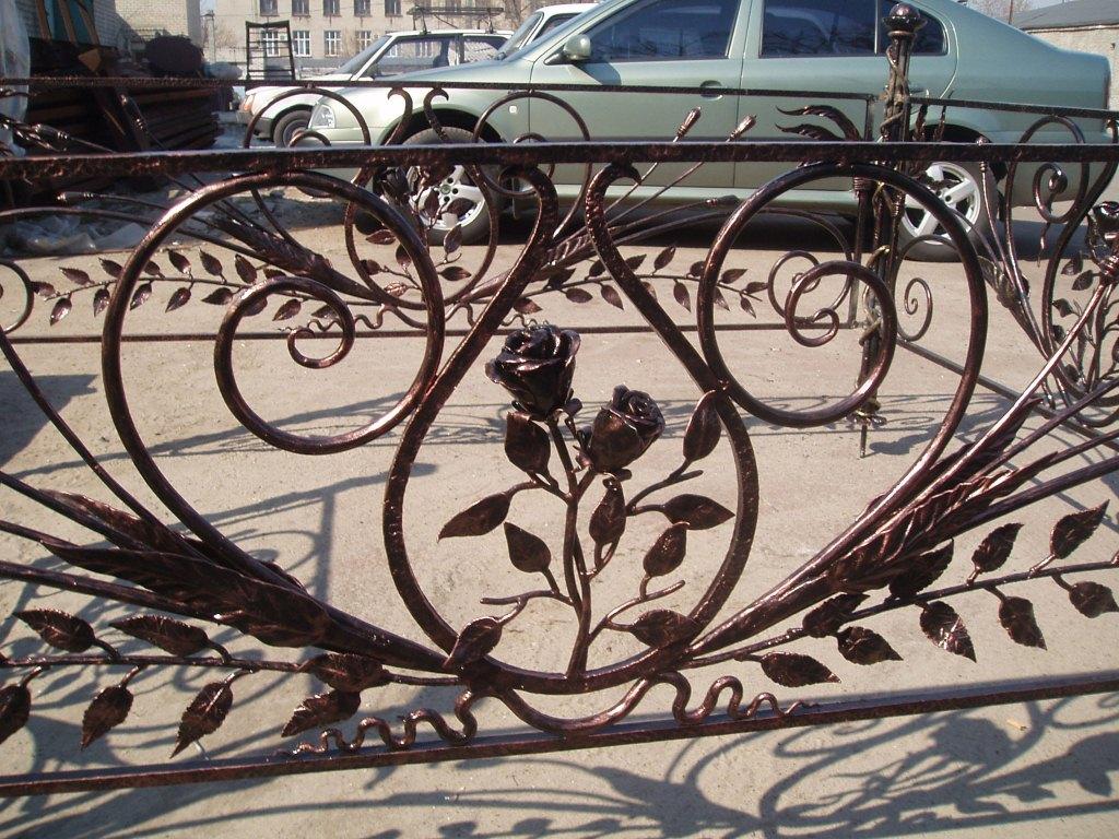 Кованая ритуальная ограда К-6