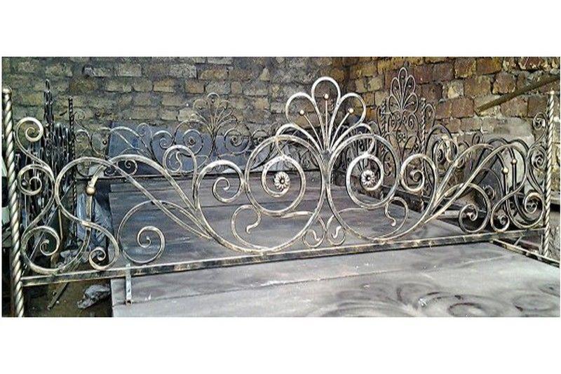 Кованая ритуальная ограда К-7