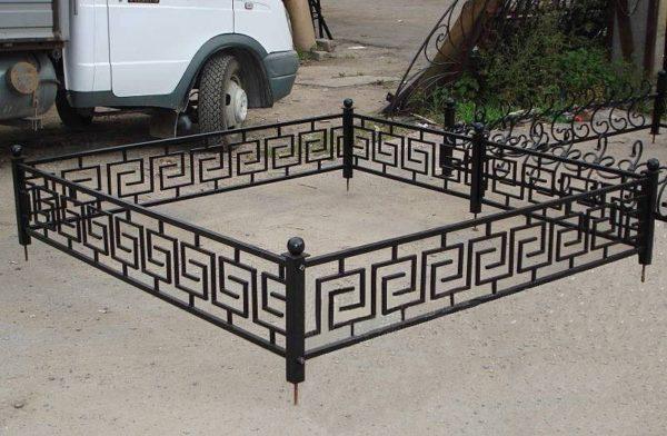 Металлическая ритуальная ограда М-2