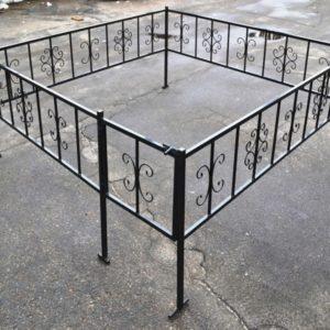 Металлическая ритуальная ограда М-6