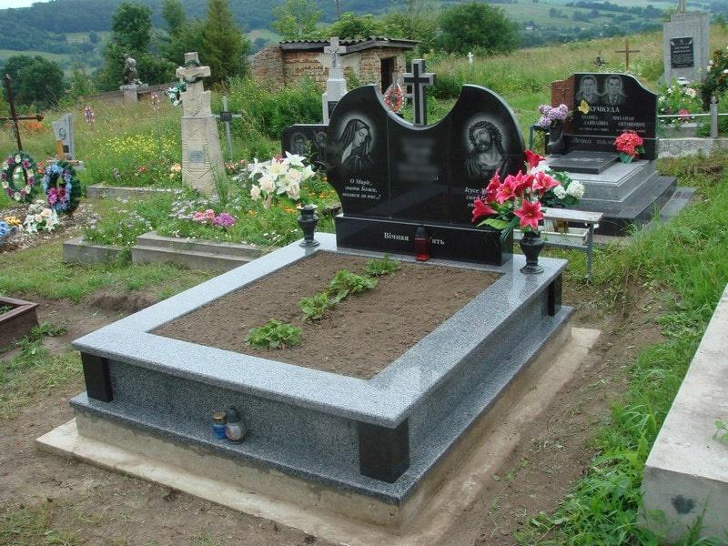 Памятник на могилу из гранита Г-2