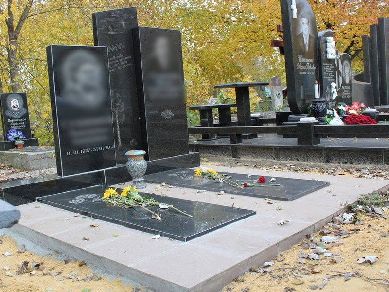 Памятник на могилу из гранита Г-3
