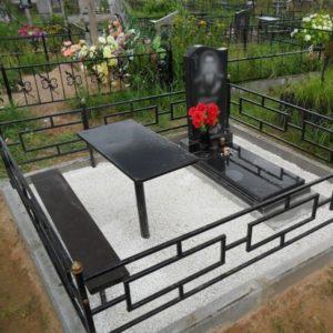 Памятник на могилу из гранита Г-7
