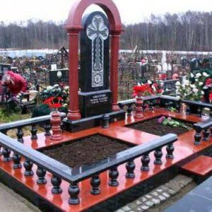 Памятник на могилу из гранита Г-8